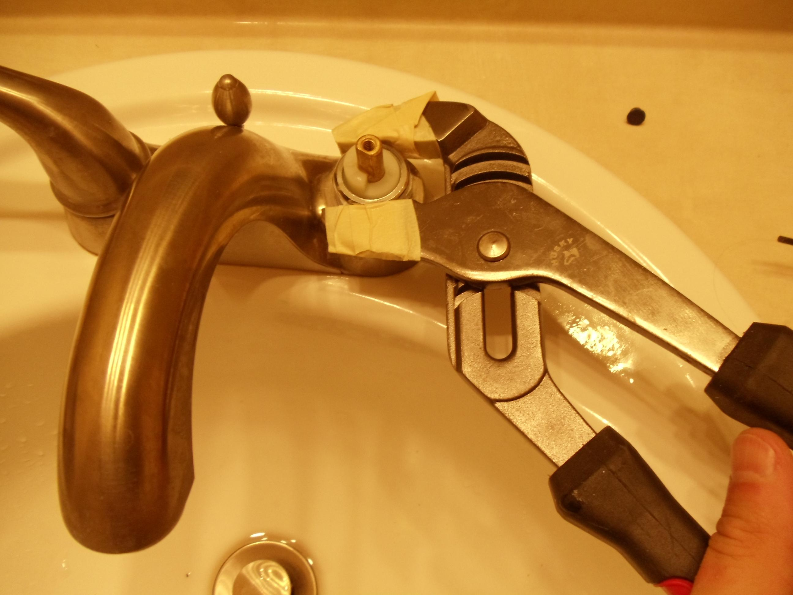 Bathroom Sink Faucet Repair. Fix Leaking Bathroom Sink Faucet Repair ...
