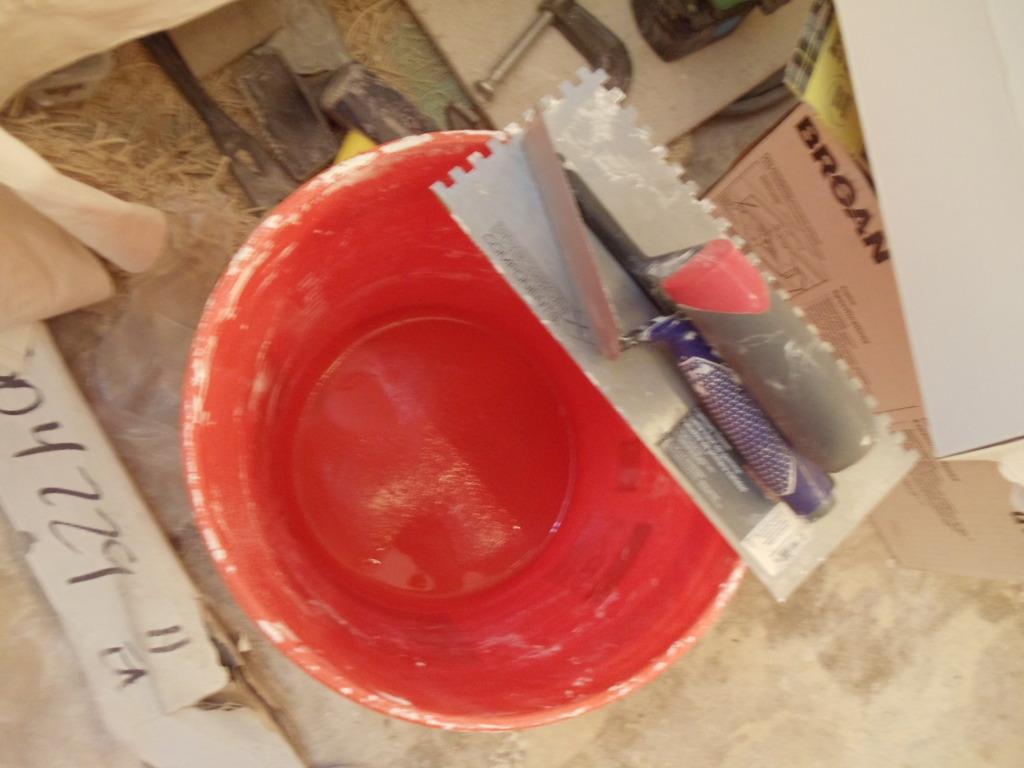Tools an materials for glass tiles - DIY Home Repair